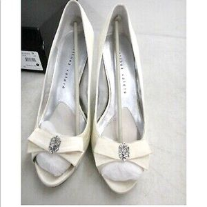 Martinez Valero White Wedding 10 Silver Heels
